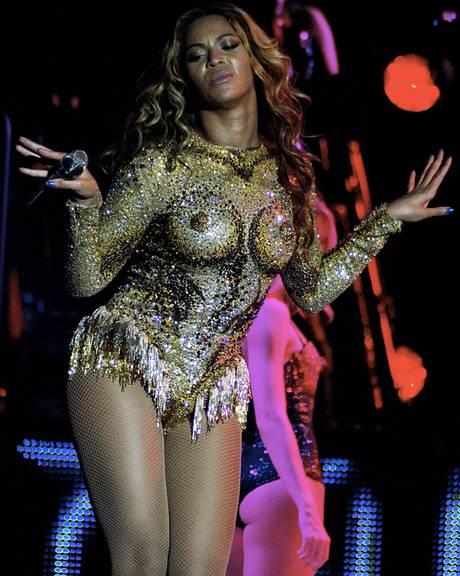 AN19337766Superstar-Beyonce