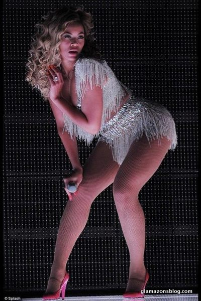 beyonce-revel-concert-video-ralph-russo-costume-glamazons-blog-6