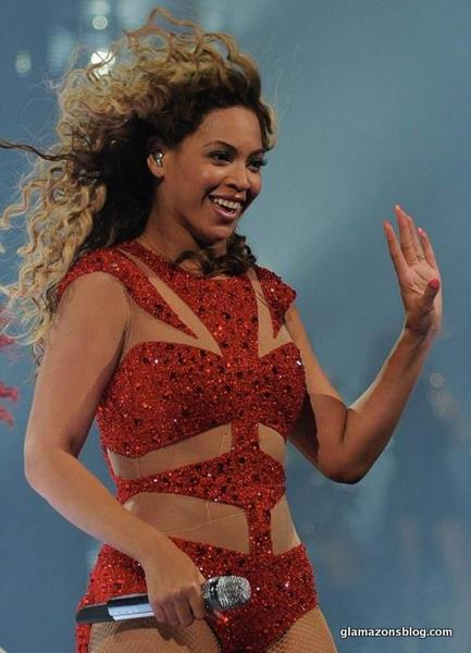 beyonce-revel-concert-video-ralph-russo-costume-glamazons-blog-7