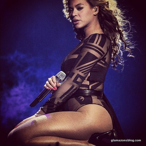 beyonce-revel-concert-video-ralph-russo-costume-glamazons-blog-9