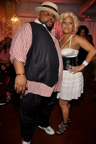 the-glam-bar-pic-7-l-jazze-pha-bets-drealmand-r-glam-bar-owner-sabrina-peterson